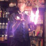 マジック商品開発者にしてプロのマジシャン、タナカ太郎さんが志村けんのバカ殿に出演。気になるその腕前は?